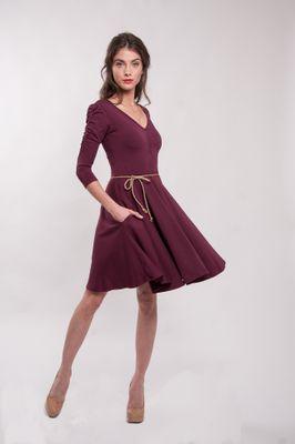 Vínové bambusové šaty řasené Merlot