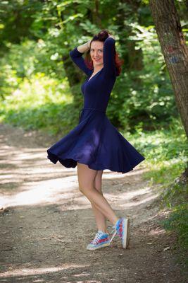 Modré bambusové šaty řasené Ariel