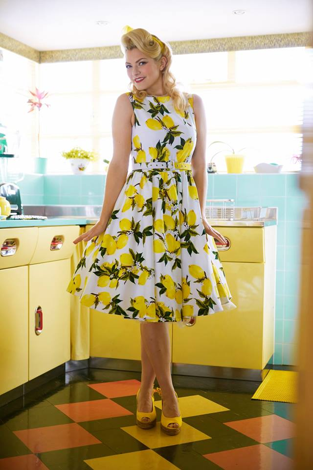 d0bdab056d7d Zobrazit v plné velikosti · Retro šaty Lemon